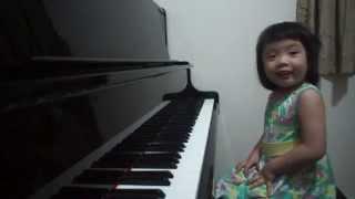 Gdy usłyszysz jak ta 3-latka gra na pianinie, z pewnością opadnie Ci szczęka!