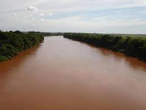 Travessia em um dos maiores rios do Brasil, Rio Ivaí no Parana, trecho grande,