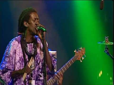 Cheikh Lô - Doxandeme (Lugano Jazz Festival 2004)