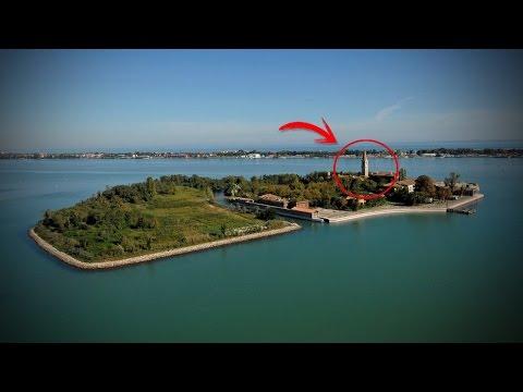 <p>La <strong>isla</strong> de <strong>Poveglia</strong>, situada entre los lagos de Venecia, Italia, es conocida como la isla de la muerte y la isla del no retorno, debido al escalofriante secreto que allí se esconde.</p>