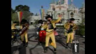 LALO Y LOS DESCALZOS  Nadie Es Eterno Disneyland Telemundo