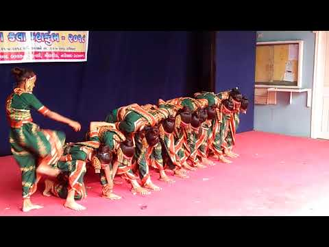 Video Adivasi folk dance performance    primary school Dumral (nadiad) download in MP3, 3GP, MP4, WEBM, AVI, FLV January 2017
