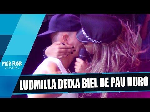 Ludmilla deixa Biel de PA() Duro em show e beija na boca (видео)
