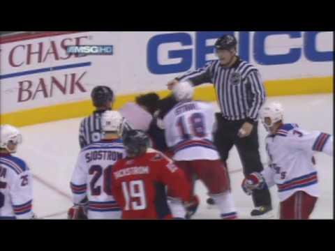 Драка Сёмина, над которой долго смеялись в НХЛ