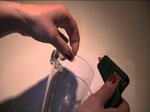 Vase mit Glasperlen beschmücken Video