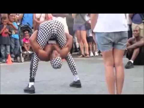 Chết cười với anh chang nghệ sĩ nhao lộn đường phố