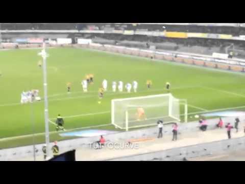 Curva Sud Hellas esplode al gol di Toni