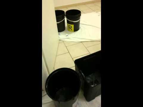 Montesilvano, piove nella Guardia Medica: stracci e secchi negli ambulatori VIDEO