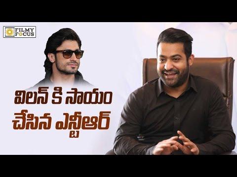 NTR Help to Vidyut Jamwal - Filmyfocus.com (видео)