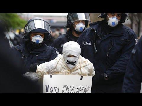 Γερμανία: Διαδηλώσεις κατά των περιοριστικών μέτρων