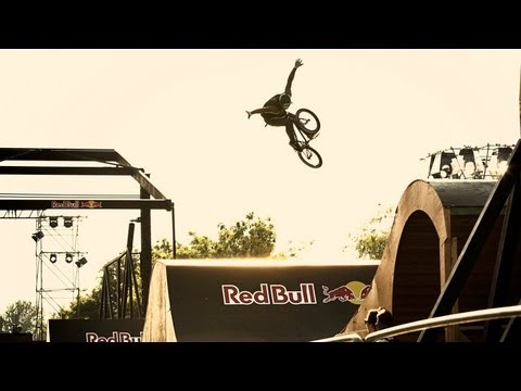 BMX Park Contest in Amsterdam - Red Bull Framed Reactions 2013_A h�ten felt�lt�tt legjobb extr�msport vide�k