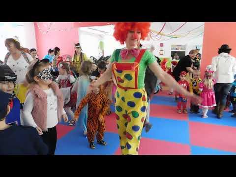 VIDEO: Tanec a dobrá fašiangová nálada v škôlke na sídlisku Západ