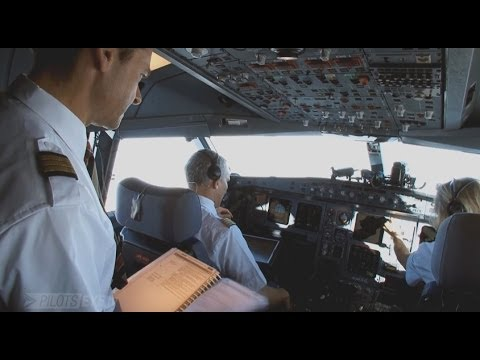 Airline crew deal with an Engine Failure