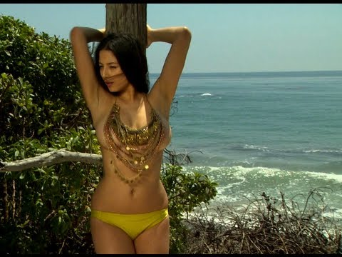 Bikini Friday - Jessica Gomes
