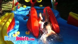 Video (VLOG) Amantine joue dans la piscine - Demo Jouets MP3, 3GP, MP4, WEBM, AVI, FLV November 2017