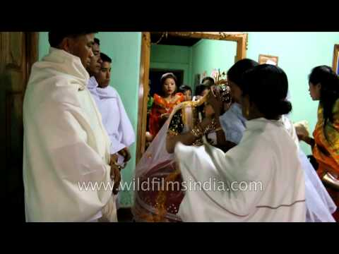 Video Bride bids farewell to family members - Manipuri wedding download in MP3, 3GP, MP4, WEBM, AVI, FLV January 2017
