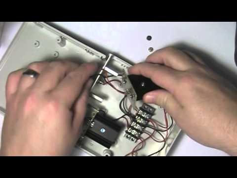 MD Lab: Basic 13.8V to +5V and +12V Regulated Power Supply