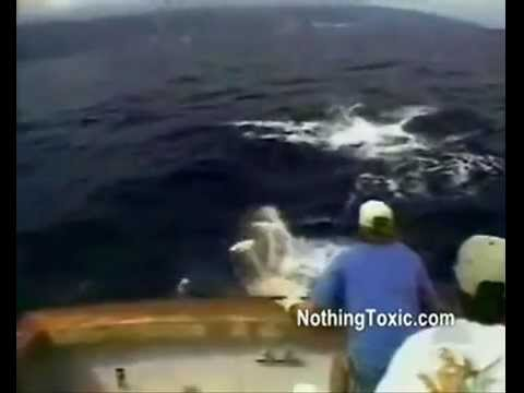 2013 FISHING FAILS – Things you don't want to be happening when you're fishing