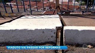 Alça de viaduto é interditada por risco de desmoronamento em Bauru