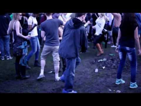 "Random guy showing his ""Moves like Jagger"" @ Lovebox 2012"