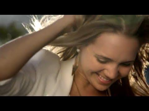 LUCIE VONDRÁČKOVÁ – Co s tou touhou (oficiální videoklip)
