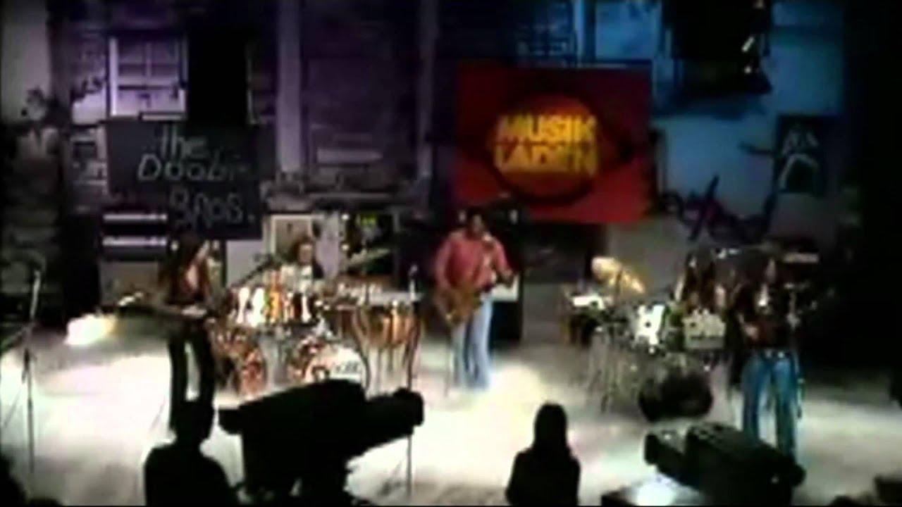 100 Greatest Rock Guitar Riffs (Live Videos Montage)
