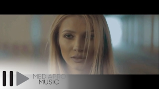 Lora - Arde (Official Music Video)