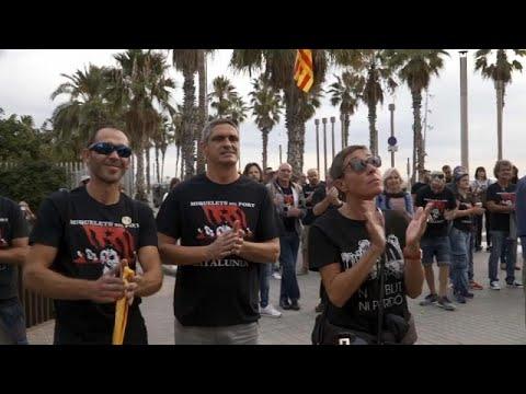 Oι Καταλανοί θυμούνται και διαδηλώνουν