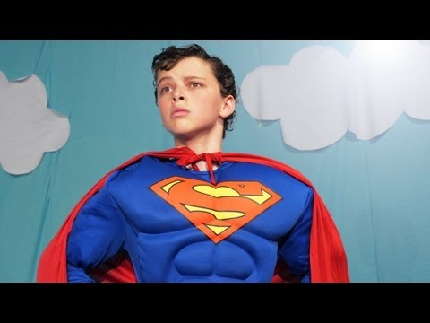 steel - [Contains No Spoilers] Superman can fly, but can he sing? A segment from The Mythical Show! http://bit.ly/MythShow8 Join us EVERY THURSDAY starting at 5pm ES...