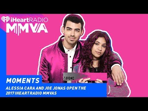 Alessia Cara and Joe Jonas Open the MMVAs   2017 iHeartRadio MMVAs