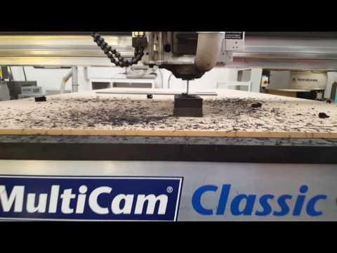 MultiCam Classic trabajando Hule alta densidad.