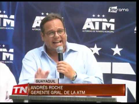 Entregan taxi eléctrico a gremio del Guayas para prueba de factibilidad