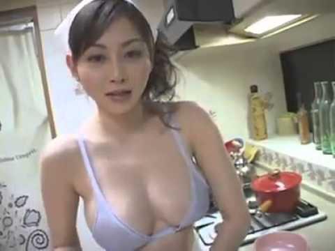家庭主婦穿這樣做早餐!!