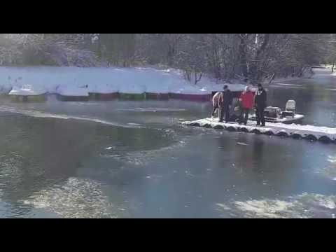 ukrainiec-uratowal-psa-z-lodowatego-stawu