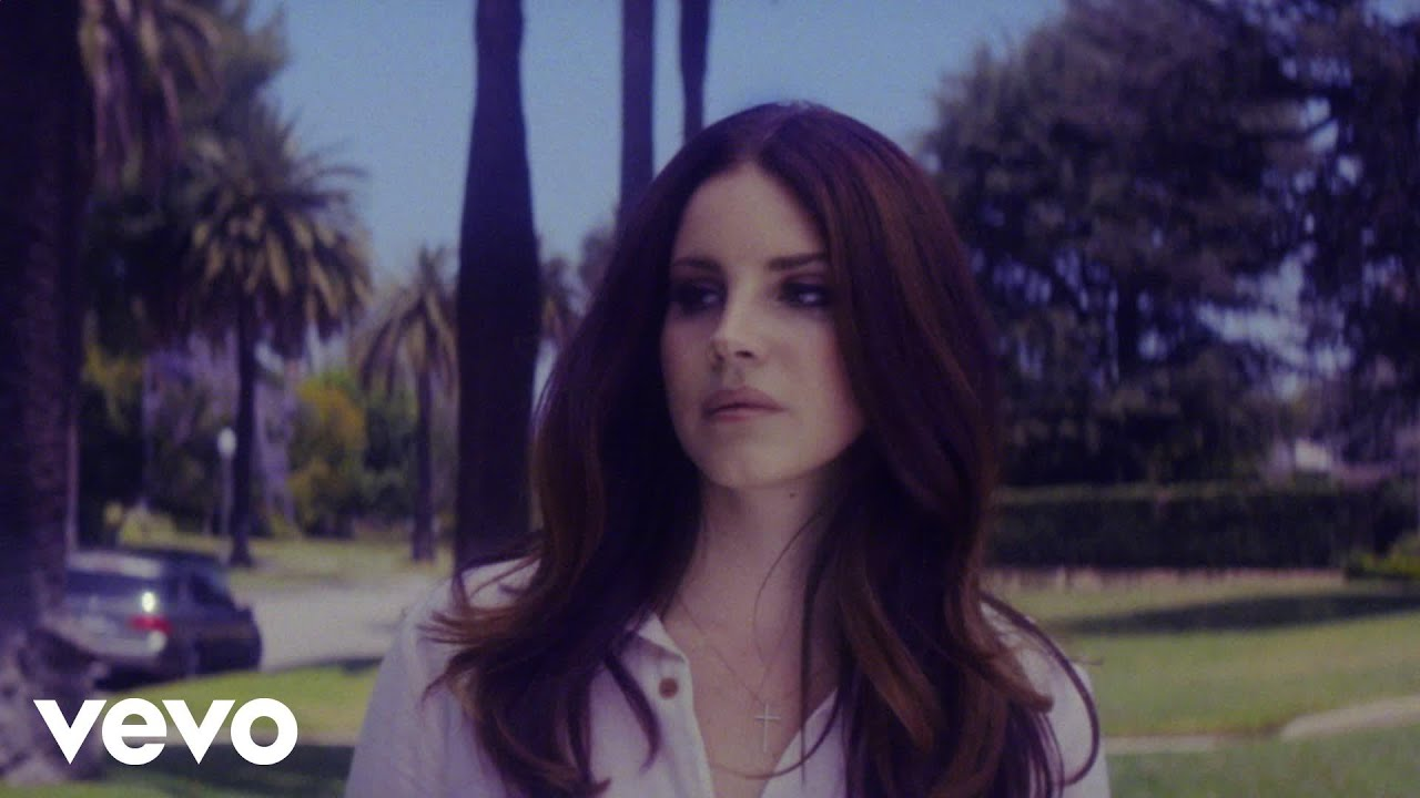 Lana del Rey -- Glamorizing Daddy Issues and the Male Gaze