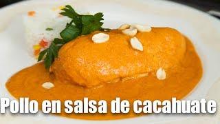 Pollo en salsa de cacahuate saludable