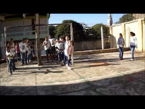 Escola Estadual Melo Viana Cássia-MG PROETI 2014 Educação Física