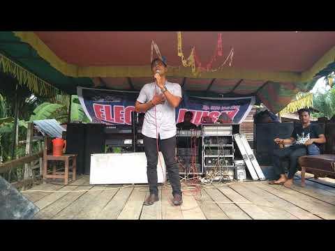 Video Haruskah Berakhir Ridho Rhoma Vocal Jarir Munthe Live Show download in MP3, 3GP, MP4, WEBM, AVI, FLV January 2017