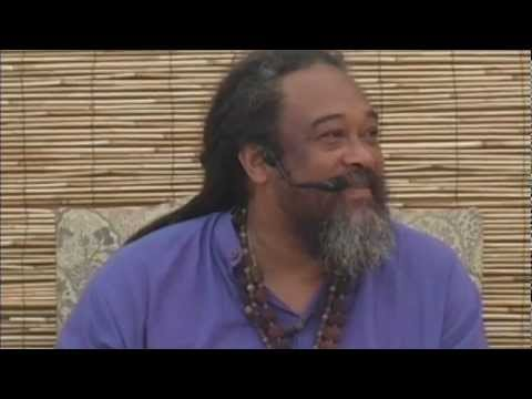Mooji Video: It is Possible to Be in Both Worlds?