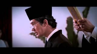 OFFICIAL MOVIE TRAILER - HABIBIE & AINUN (2012) Video