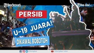 Download Video PERSIB JUARA !!! Ribuan Bobotoh PERSIB Mengawal Sang Juara Keliling Kota Bandung MP3 3GP MP4