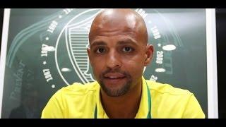 O Palmeiras oficializou na manhã deste domingo a contratação do volante Felipe Melo. Em comunicado realizado através de seu...