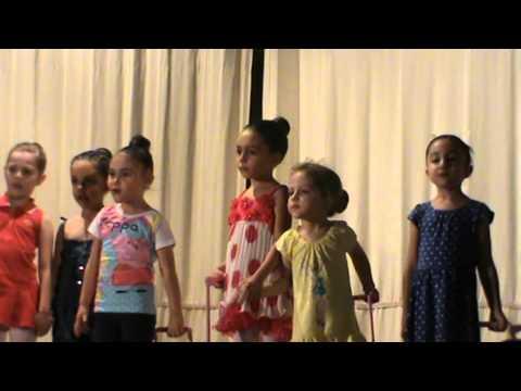 """Scuola Danza """"Danzarte"""" ,inzio saggio con le piccole nanette!"""