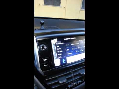 Audio peugeot 208 active con casse sostituite