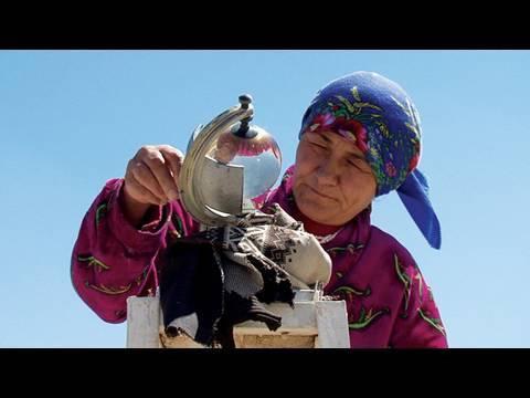 Pamiri women and the melting glaciers of Tajikistan