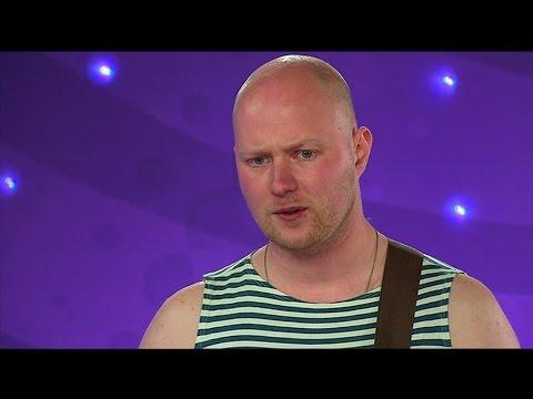 Oleg gör succé hos Idoljuryn med  Electropop i Idol 2011 - Idol Sverige (TV4)