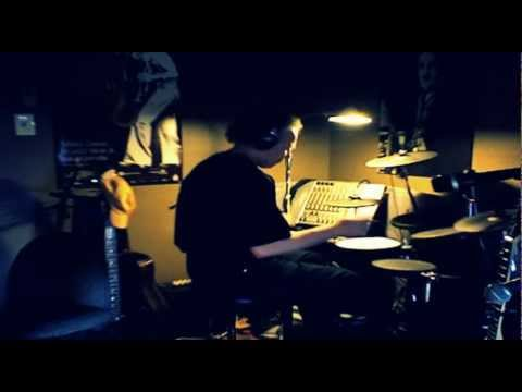 She's too good gor me © Sting cover by Danhoudrums