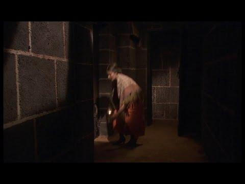 il segreto- amalia e la montenegro si recano nei sotterranei della villa
