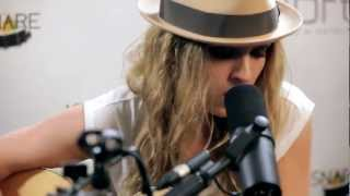 "ZZ Ward - ""Move Like You Stole It"" (Kick Kick Snare Acoustic Session) - YouTube"