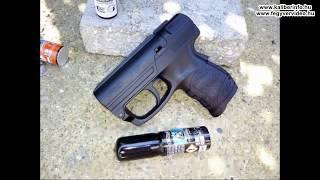 """Az Umarex tavaly bemutatott Walther PDP gázspray-pisztolyát teszteljük ebben a videóban. Az alapvetően jópofa, kifejezetten ergonómikus eszköz a próba alapján a gyárilag vele adott pepper jet sprayvel jól működött, 2 méter körüli hatótávolsággal A gyári adatként megadott """"6 méter"""" ordas nagy kamu sajnos. A PDP pót-tartályaival már voltak problémák. Összességében, ha azok hibáját minőségbiztosítási problémának fogjuk fel, akkor a nyugat-európai vásárlónak az 50 euró körüli eszköz a 15 euró körüli újratöltő palackjaival nem olyan vészesen drága. Kár, hogy mi nem nyugat-európai bérekkel és adókkal rendelkezünk. Ugyancsak kár, hogy közveszélyes elmebeteg jogalkotóink a pepper hatóanyag miatt a KKVE besorolású, közterületen viselése szabálysértés.Részletesebben:Köszönjük a teszteszköz biztosítását a Magnum Vadászboltnak!"""